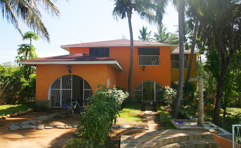 3 BEDROOM HOUSE OVERLOOKING PRAWN LAKE FOR SALE - Watamu - Gede Road