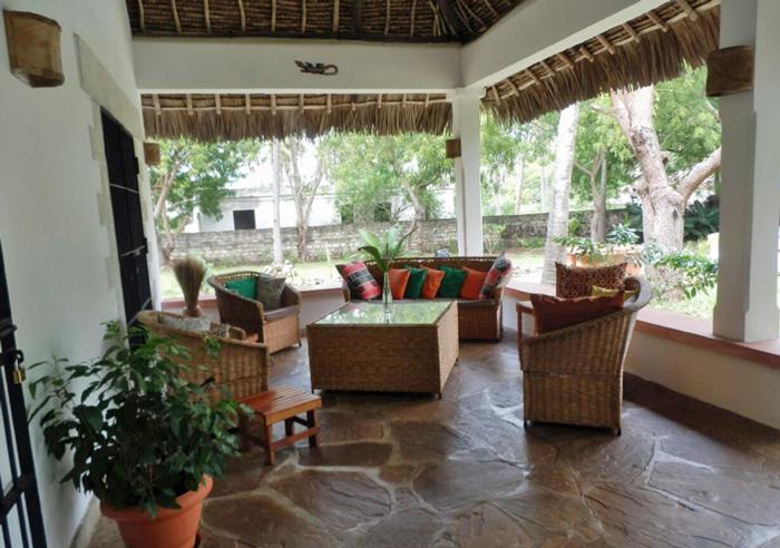Tikiti-terrace.jpg