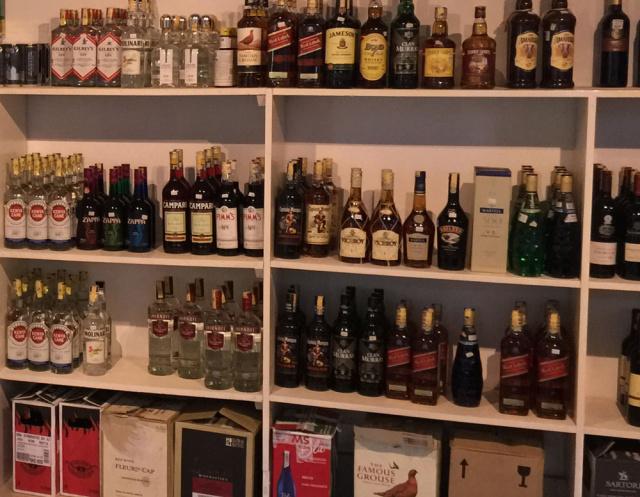 wine-store1.jpg