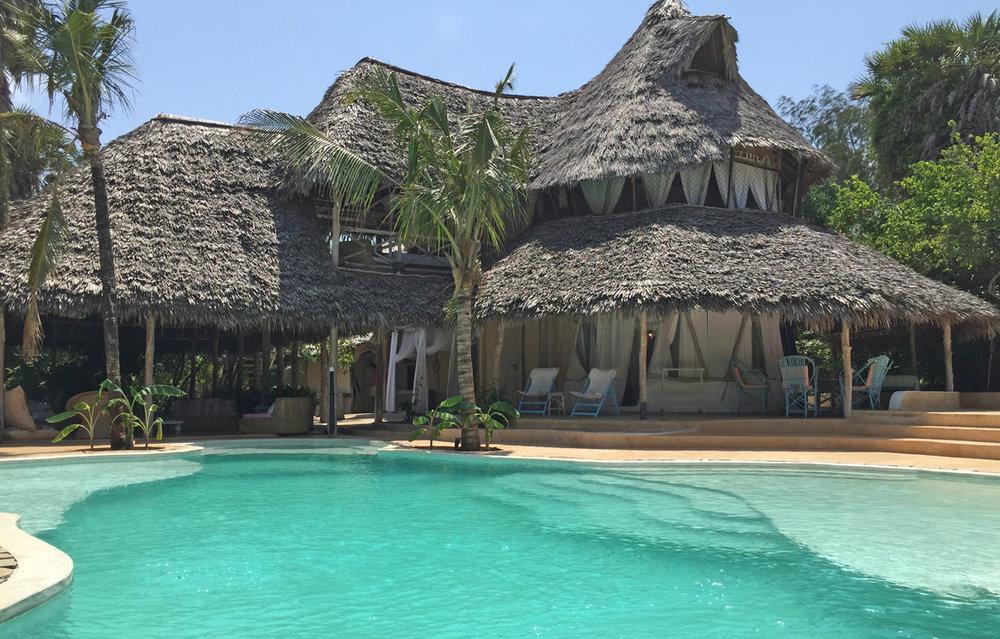 Shuma2-poolhouse.jpg