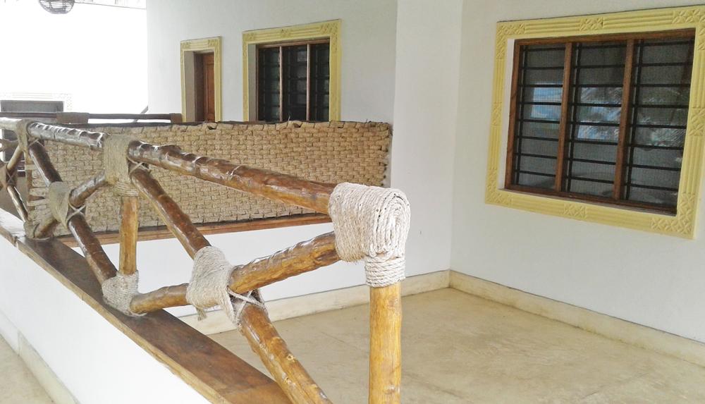 RCB02-balcony.jpg