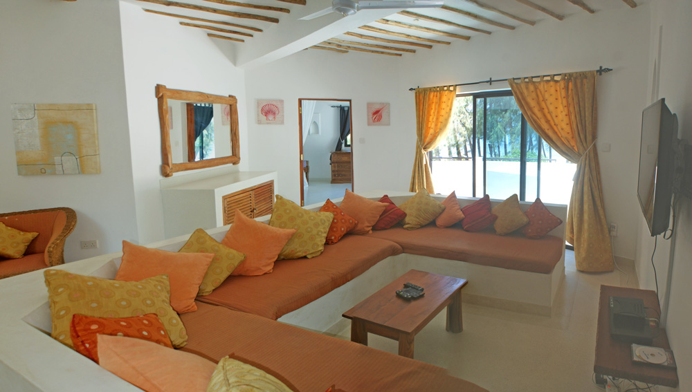 Beachcomber-TV-room.jpg