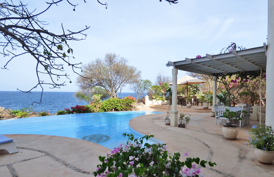 NEW - Fabulous Cliff top Villa at the mouth of Kilifi Creek for Sale. - €1.5 million (Euros)Ref: KD01More info