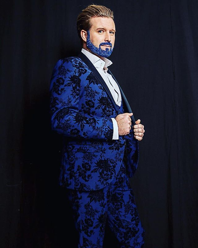GLITTER MAKES YOU FITTER ✨FACT!!!!! Are you ready to turn heads and have more attention than you could ever imagine? Well here's our secret #glitterbeards #_glitterfreaks #glitterfaceandbodyart #corporateevents #classy #glittermakesyoufitter✨ #releaseyourinnerwildside #blue #blueglitter #maninasuit #bluesuit #bookusnow #events #alleyesonme #clubnights #london #ibiza #sammybaxterphotographer #menwhowearglitter #realmenwearglitter