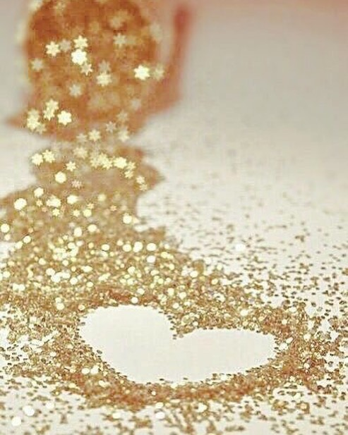 All you need is love 💖 and it all begins with loving yourself ✨We are sending huge amounts of love out today to all the Glitterfreaks out there. #sparklefromtheinsideout #selflove #tellsomeoneyoulovethem #sparkle #glitter #love #friends #soulmates #_glitterfreaks #bekindtoyourself #valentinesday #events #festivals #corporateevents #clubs #rockglittergods #releaseyourinnerwildside