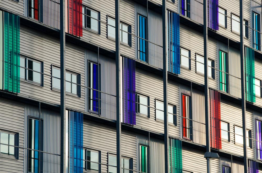 houses-colorful-facade-flat-597061.jpeg