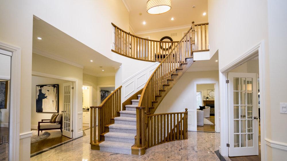 #2 - Foyer - Thorncrest-8.jpg