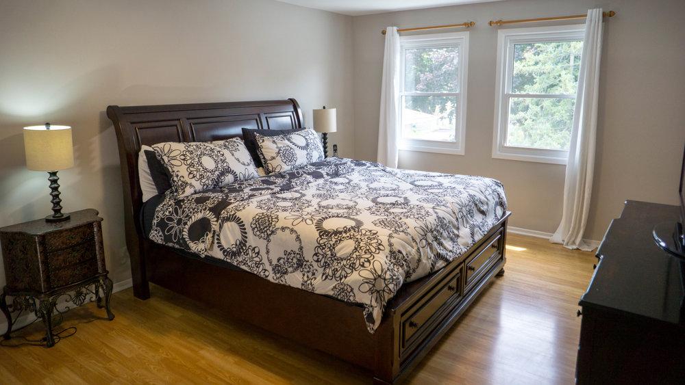 9 - Master Bedroom.jpg