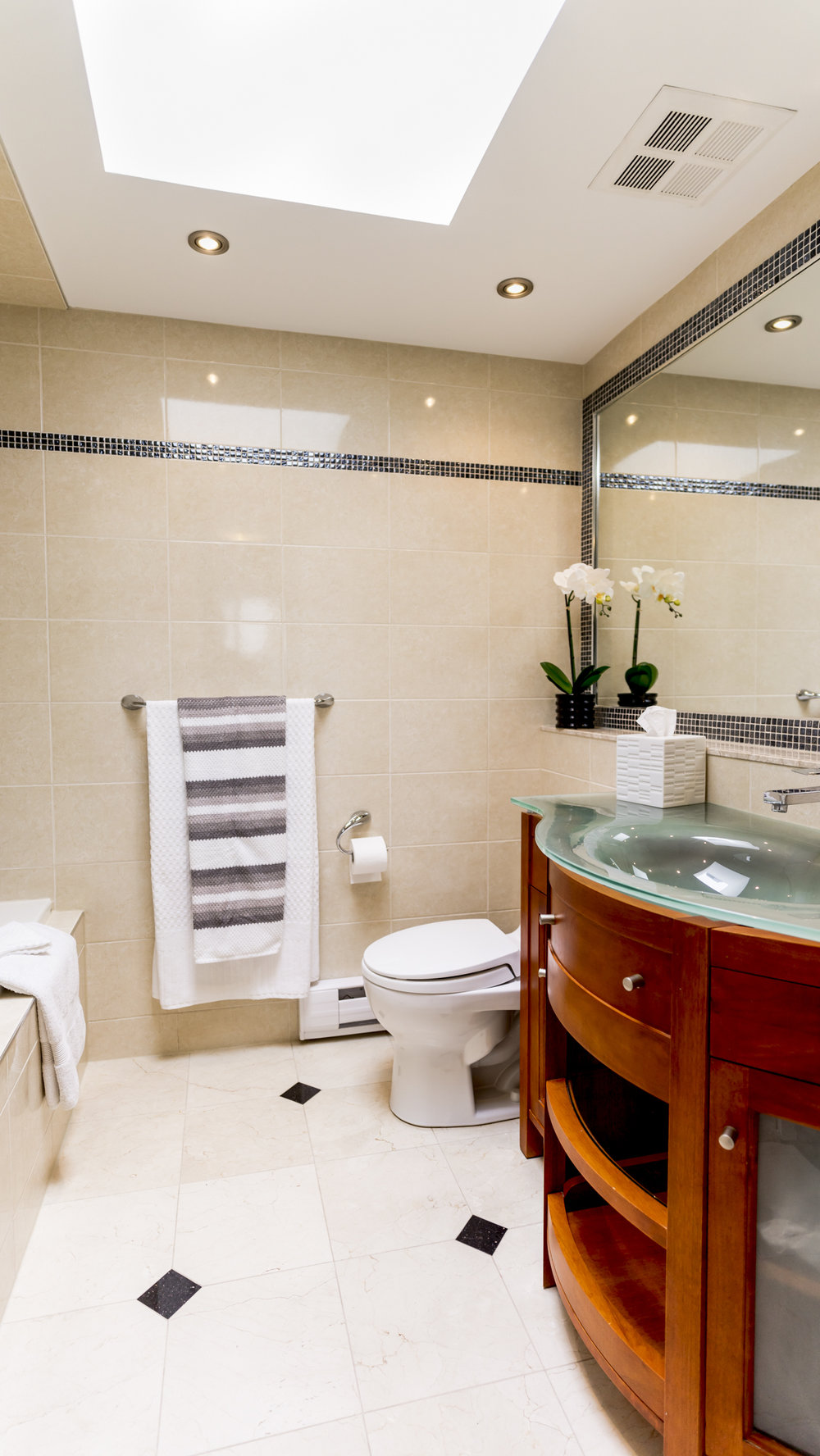 #15 - Bathroom - 80AdelaideTH6-76.jpg
