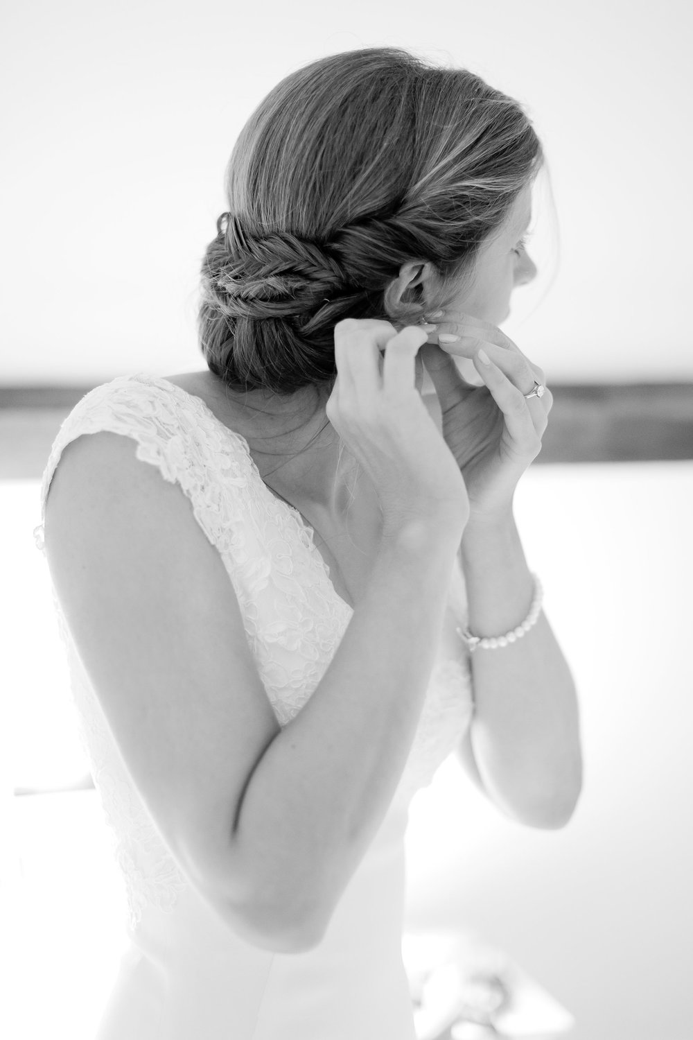 Lissie-simply-beautiful-wedding-hair-bride-bridal-chiddingstone-kent