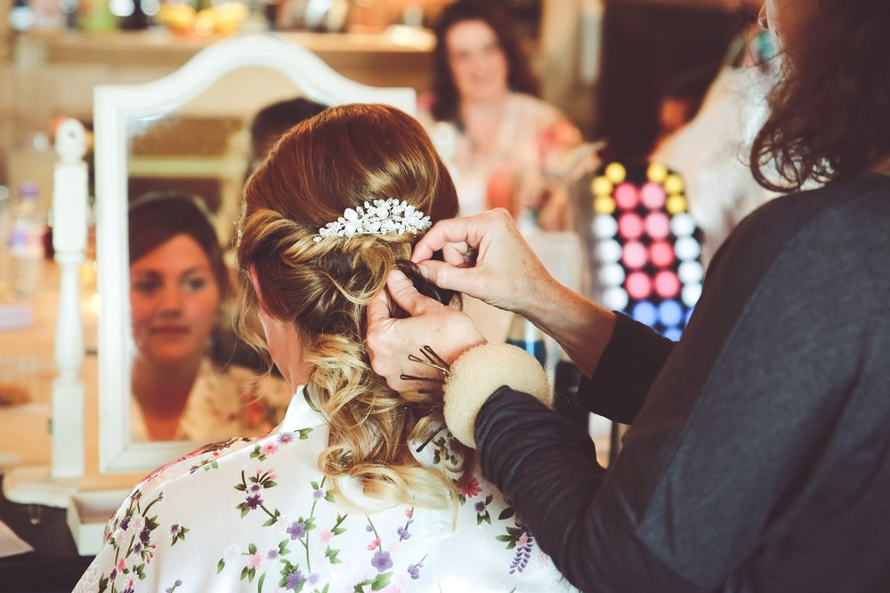 Ellie-Long-Furlong-Barn-West-Sussex-Bridal-hair-twists-hair-up-nape-knot