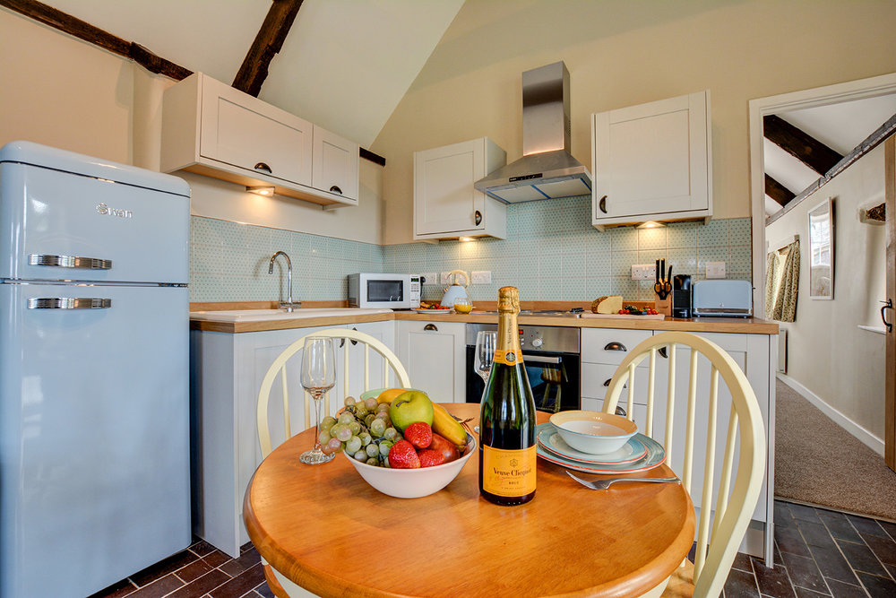 The kitchen diner at Jingles luxury self catering holiday cottage at Penrose Burden in North Cornwall near Bodmin Moor01.jpg
