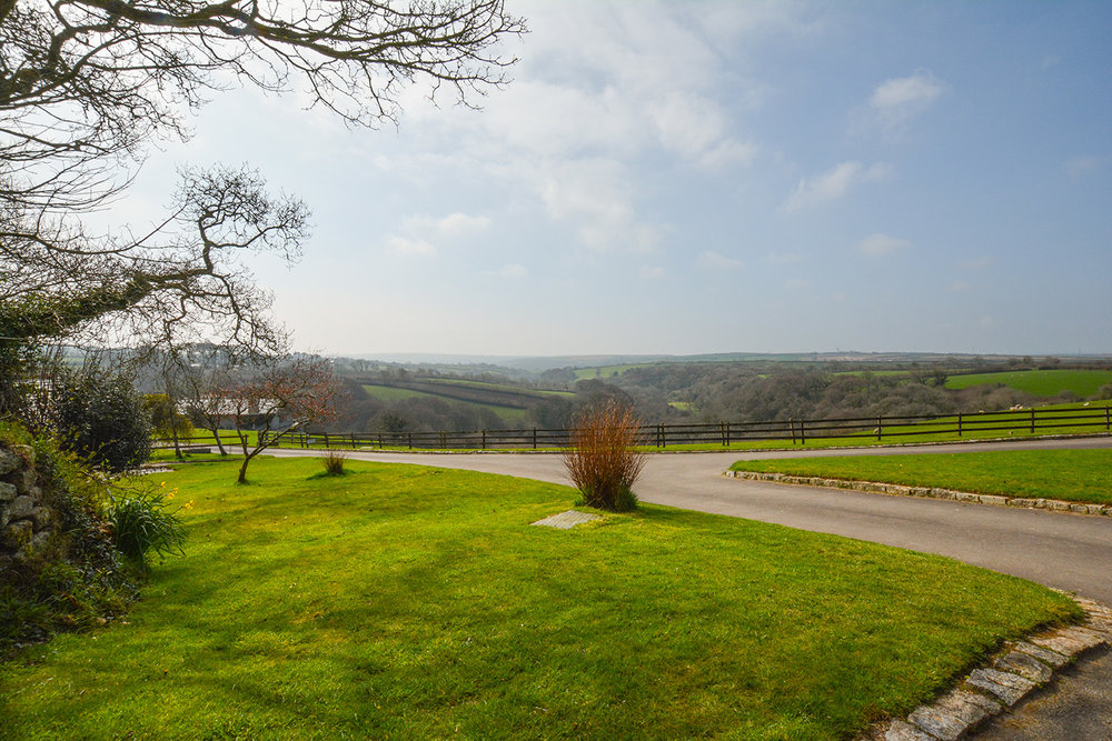 The view from Jingles luxury self catering holiday cottage at Penrose Burden in North Cornwall near Bodmin Moor03.jpg
