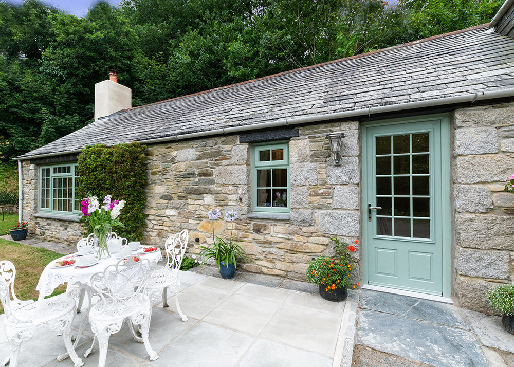 The exterior of Troutstream luxury self catering converted barn holiday cottage at Penrose Burden in North Cornwall 03.jpg