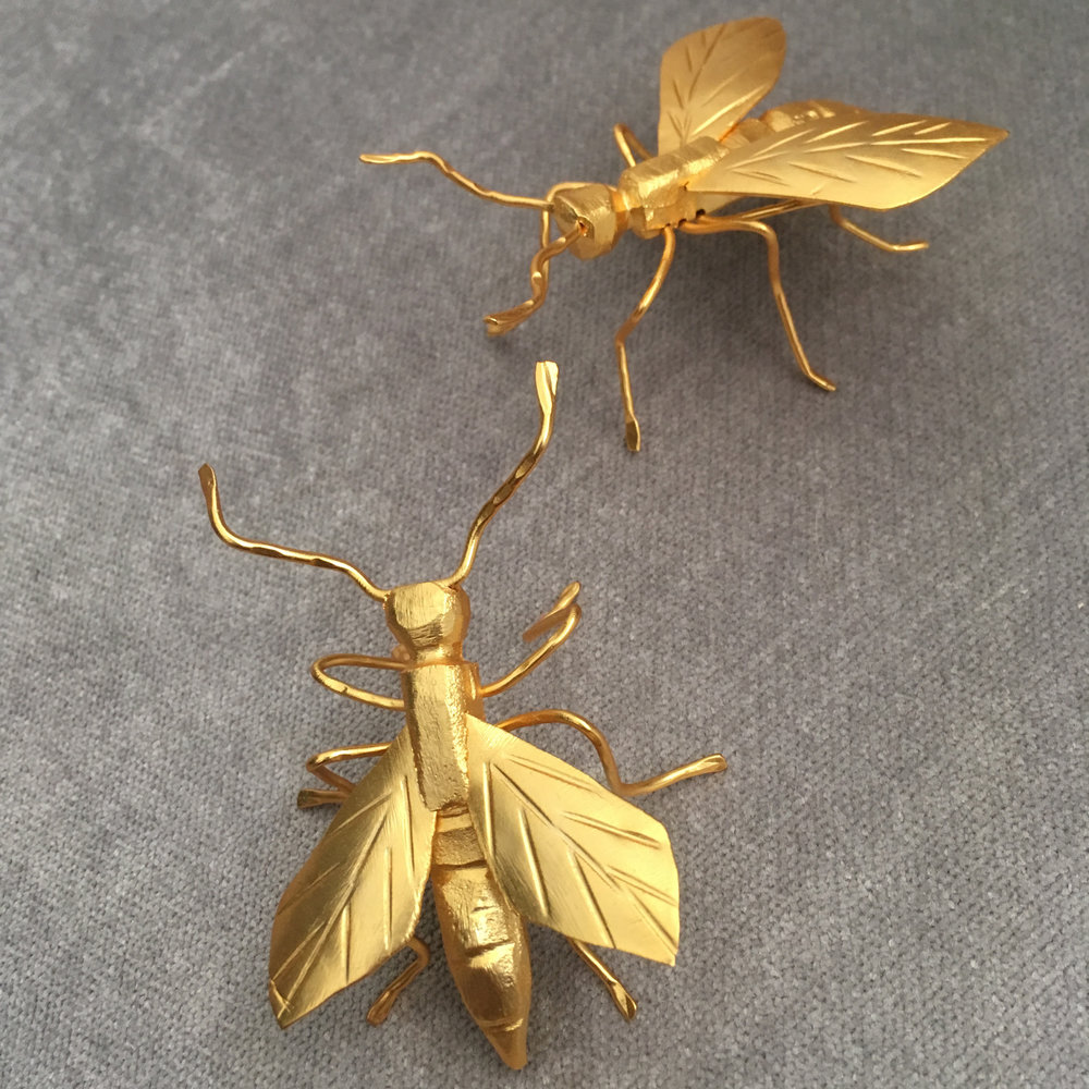 diorama bee