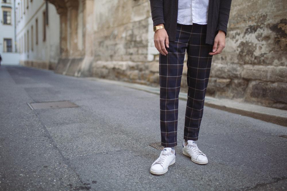 OUTFIT:    Jacket - H&M STUDIO    Shirt - ZARA    Pants - ZARA    Socks - H&M    Shoes - ADIDAS STAN SMITH    Watch - CASIO      Photography:  Sonja Petrkowsky