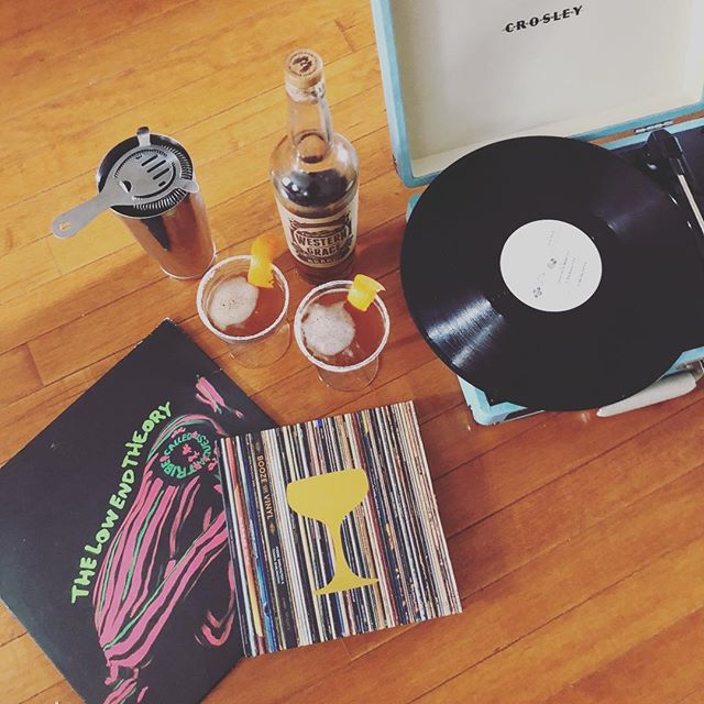 Work Hard. Eat good food. Drink well. Listen to good music. Read good books... In good company.  @deltameatmarket  #rossonco #ingoodcompany #boozeandvinyl #vinyl #music #soulshaking #diamonds #webelieveincleveland #art #style #lifestyle #porchsessions