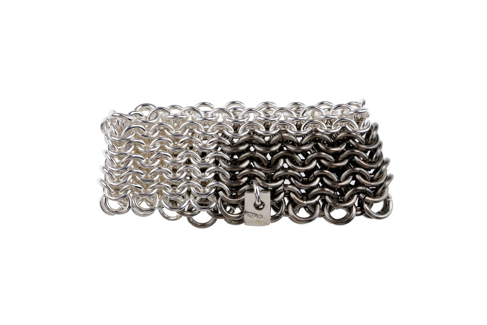 Ravens Tail chainmail ring - silver and titanium.