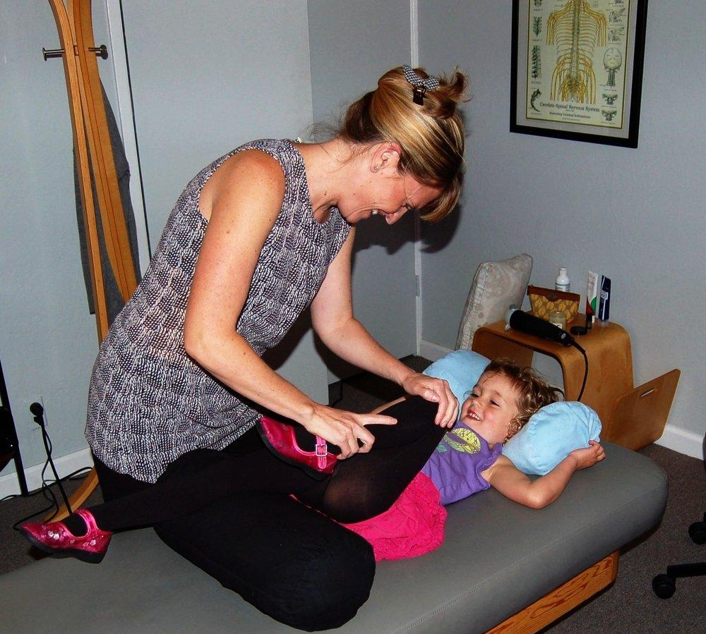 postnatal-chiropractic-care
