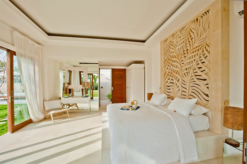 PACKAGE 2 - SHARED ROOM IN VIP VILLA  Features: Shared Bathroom, Outdoor Shower, Pool Views, Wi-fi, Air Conditioning, Modern Suite, King Size Bed, Private Chef & Full Time Staff