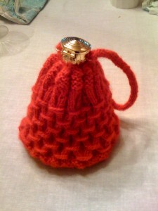 Knitted gate purse