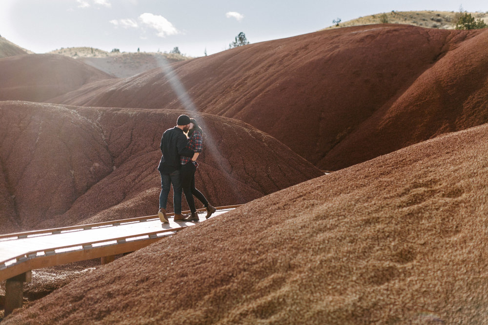 Oregon-Painted-Hills-Engagement-Pia-Anna-Christian-Wedding-Photography-LB-6.jpg