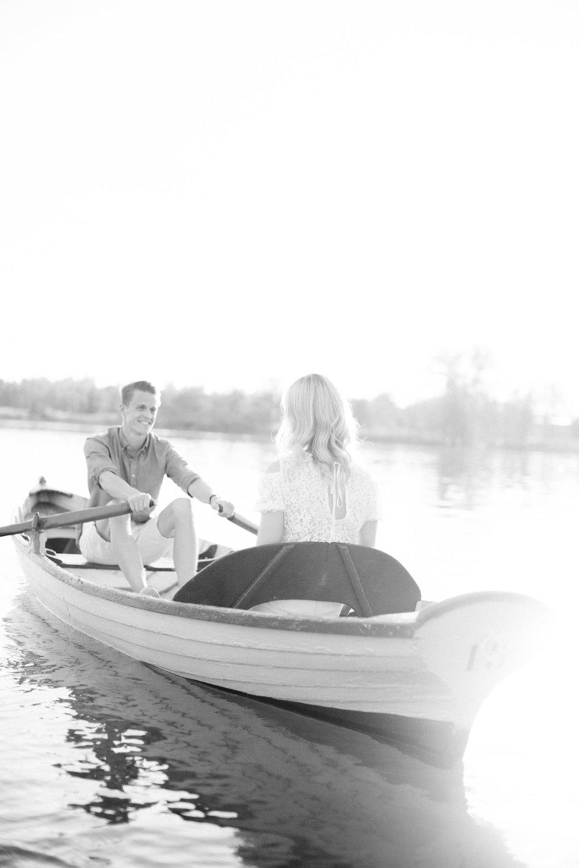 Zuerich-Switzerland-Pia-Anna-Christian-Wedding-Photography-AC-Zuerichsee-23.jpg