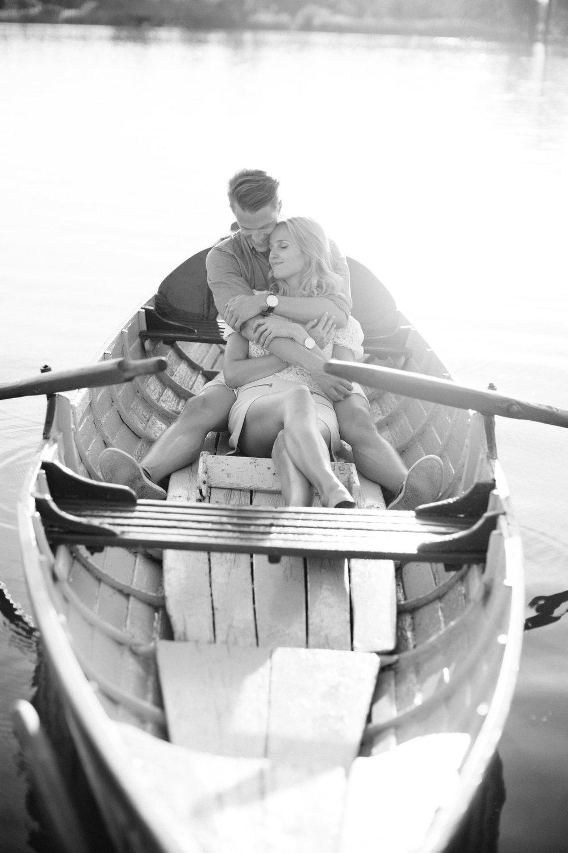 Zuerich-Switzerland-Pia-Anna-Christian-Wedding-Photography-AC-Zuerichsee-38.jpg