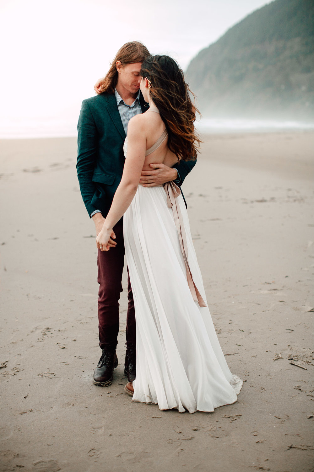 Oregon-Coast-Manzanita-Beach-Engagement-Pia-Anna-Christian-Wedding-Photography-PNW-GB-16.jpg