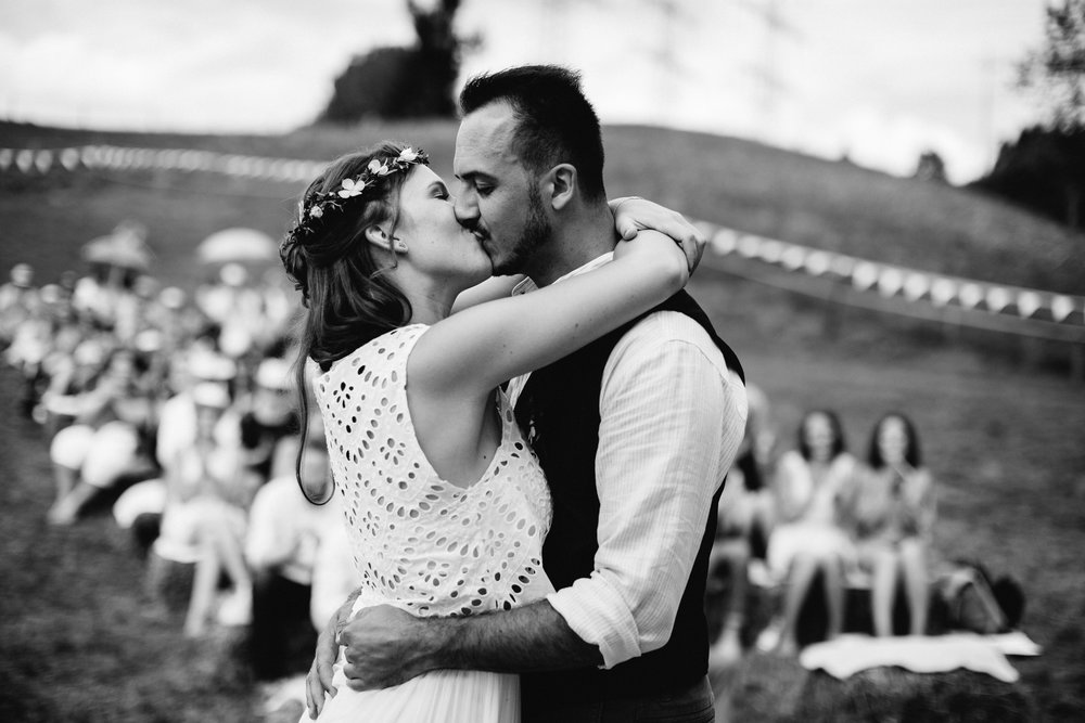 Boho-Scheune-Bauern-Hochzeit-Lörrach-Rheinfelden-Pia-Anna-Christian-Photography-NC-35.jpg