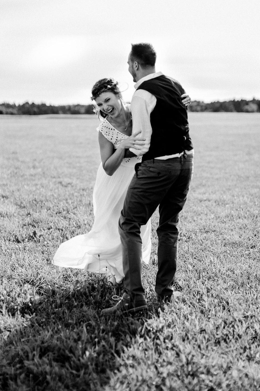 Boho-Scheune-Bauern-Hochzeit-Lörrach-Rheinfelden-Pia-Anna-Christian-Photography-NC-68.jpg