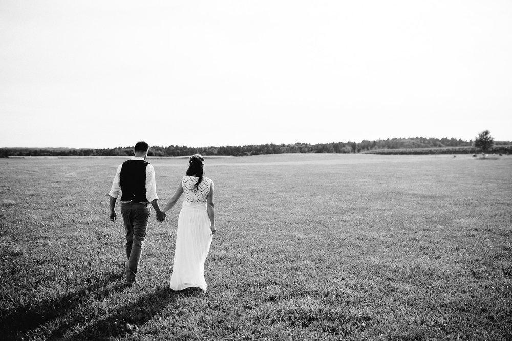 Boho-Scheune-Bauern-Hochzeit-Lörrach-Rheinfelden-Pia-Anna-Christian-Photography-NC-70.jpg