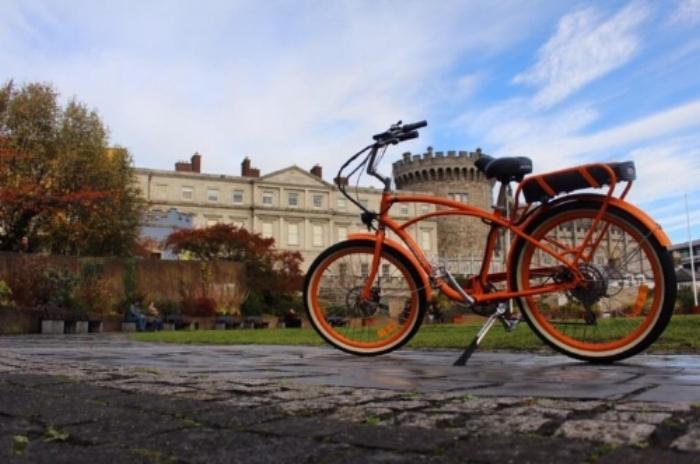 Lazy-Bike-Dublin-Castle-Bike-768x510.jpg