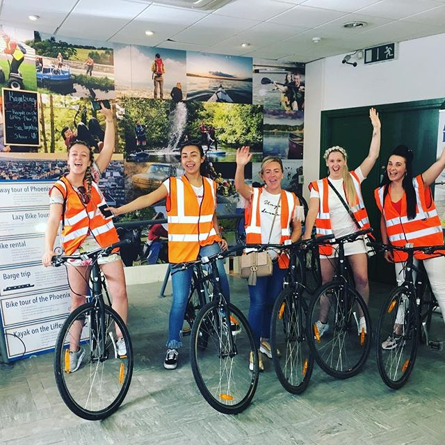 Discover dublin by bycicle  1 hour: 5 € 3 hours: 10 € full day: 15 €  we provide free lock - free helmet  @adventurebreaksireland