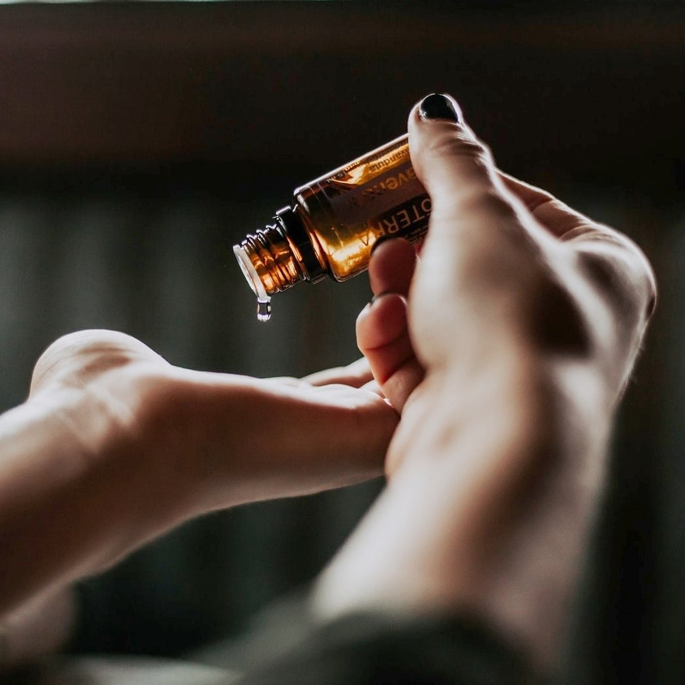 AROMATHERAPY - Combining massage, Lomi Lomi, and other healing techniques with the therapeutic benefits of Essential Oils, this treatment can balance the emotions, reduce stress, release tension and pain, reduce inflammation, and boost the immune system.60 minutes • $85BOOK NOW