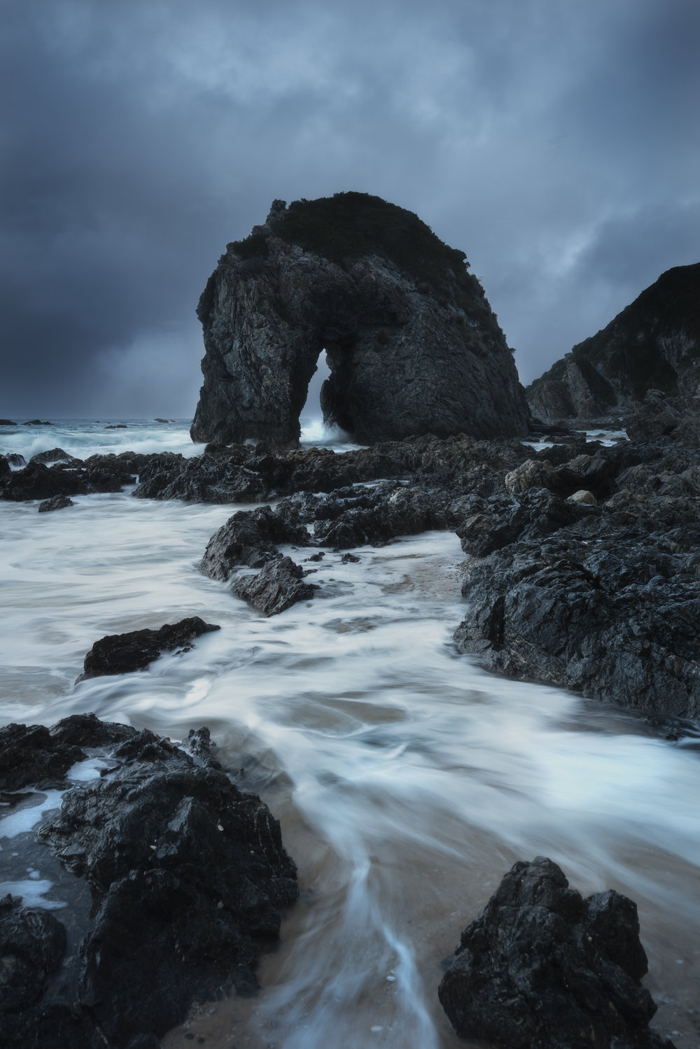 Bermagui_Horse Head Rock Moody Flow.jpg