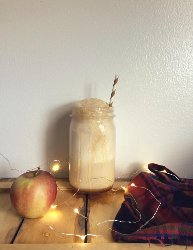 Boozy Caramel Apple Cider Floats   octoberjune.com