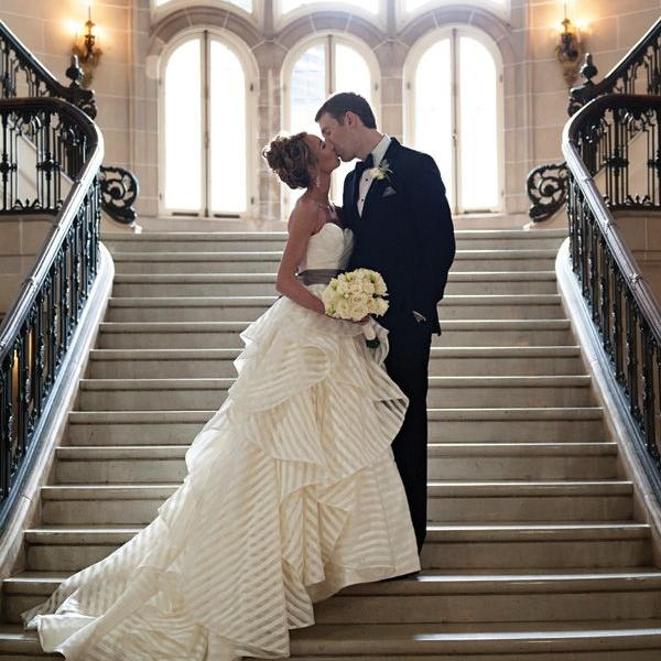 fac7f4f5895af091c0ae7d5a0d9139d1--striped-wedding-dresses-aline-wedding-dresses.jpg