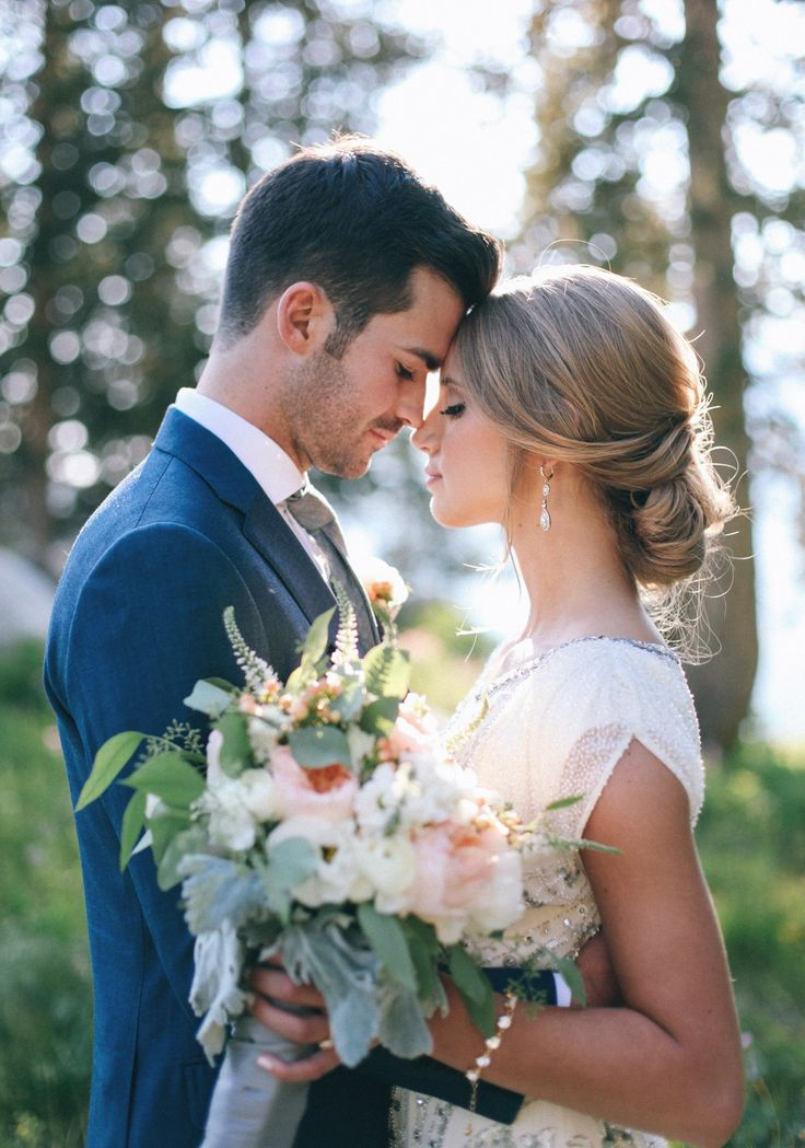 57d0339efa58856045338c385278efb1--bride--groom-weeding-picture-ideas.jpg