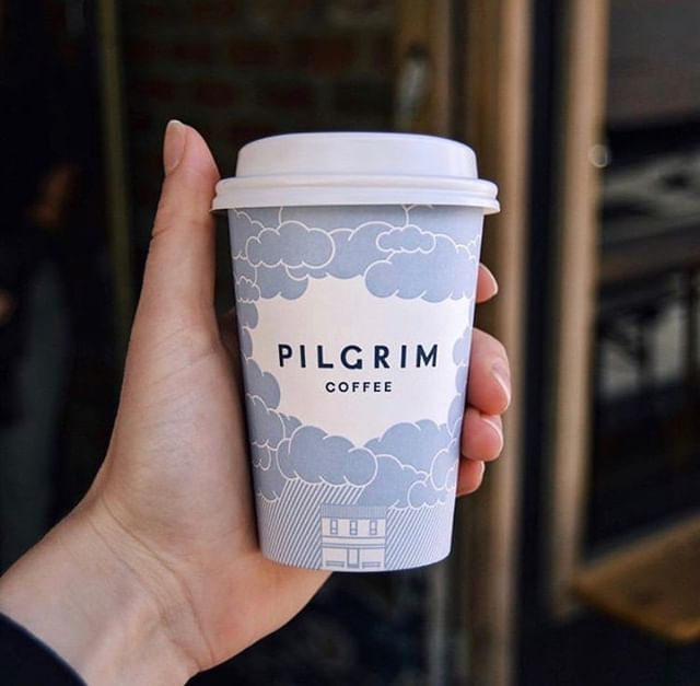 How do you take your coffee? We take ours in a #recyclable paper cup 😎♻️☕️ #reCUP . . 📸: @pilgrimcoffee