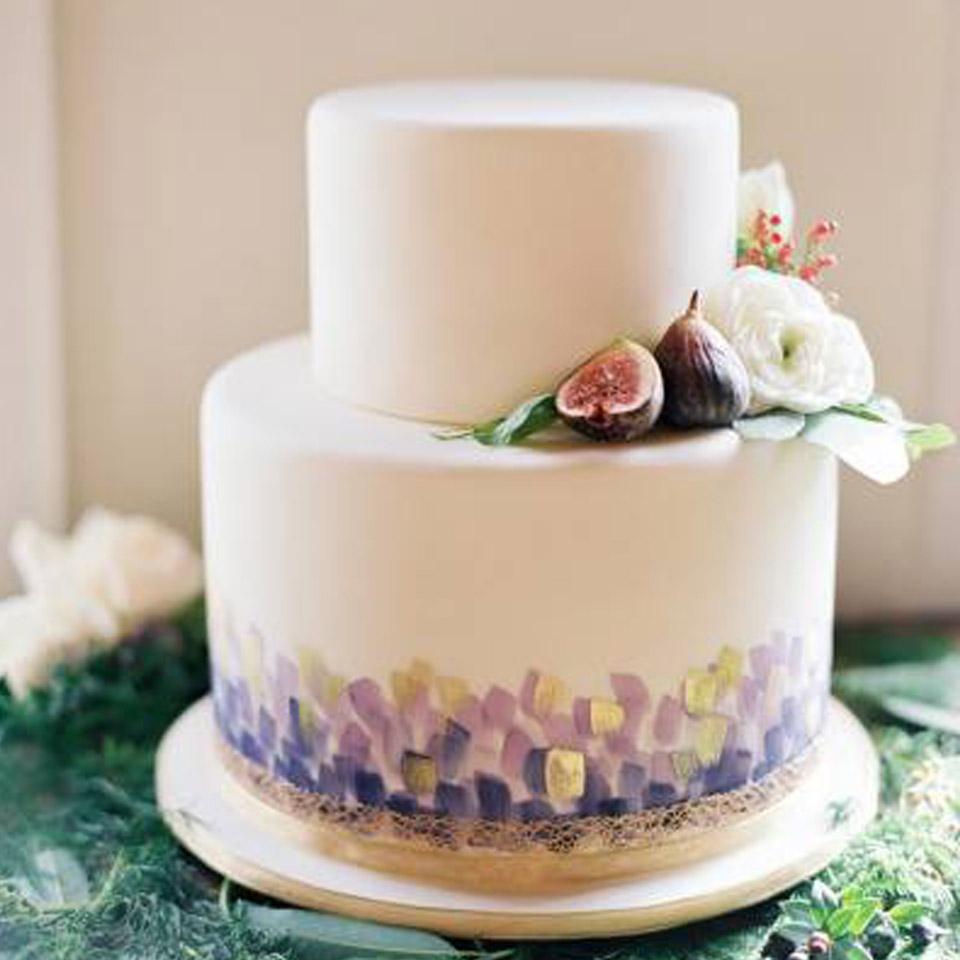 two tier  fonadant fig cake.jpg