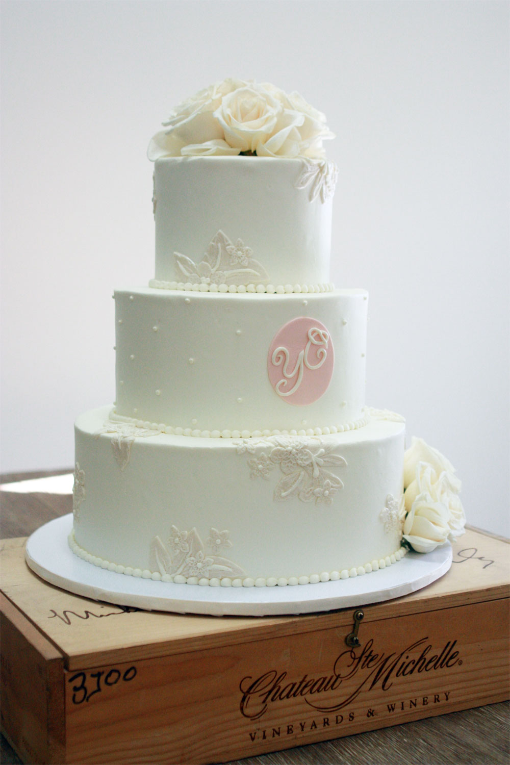 Fondant-lace-applique-on-buttercream.jpg