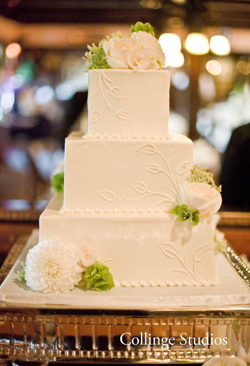 Square-buttercream-leaf-pattern.jpg