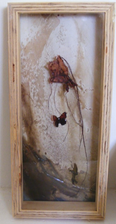 Free to serve - mixed media on board, shadow box - 42x18cm