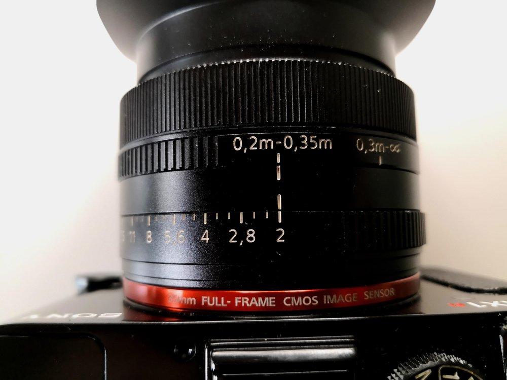 Nun stelle ich die Kamera in den Macromodus und mache mehrere Bilder mit verschiedenen Blenden.