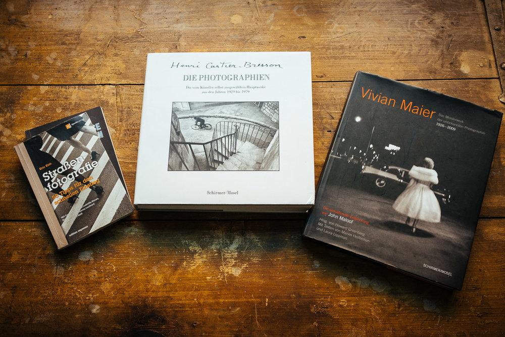 Ralf Scherer brachte einige Bücher mit, uns wir konnten schonmal ein Wenig Inspiration von diesen fantastischen Künstlern holen. Besonders die Person Vivian Maier Fasziniert mich, den Bildband mit einigen ihrer Besten SchwarzWeiß Fotografien, Sollte Jeder mal gesehen haben.