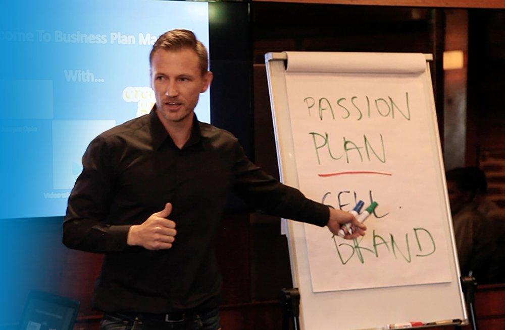 Dan speaking at business plan mastery