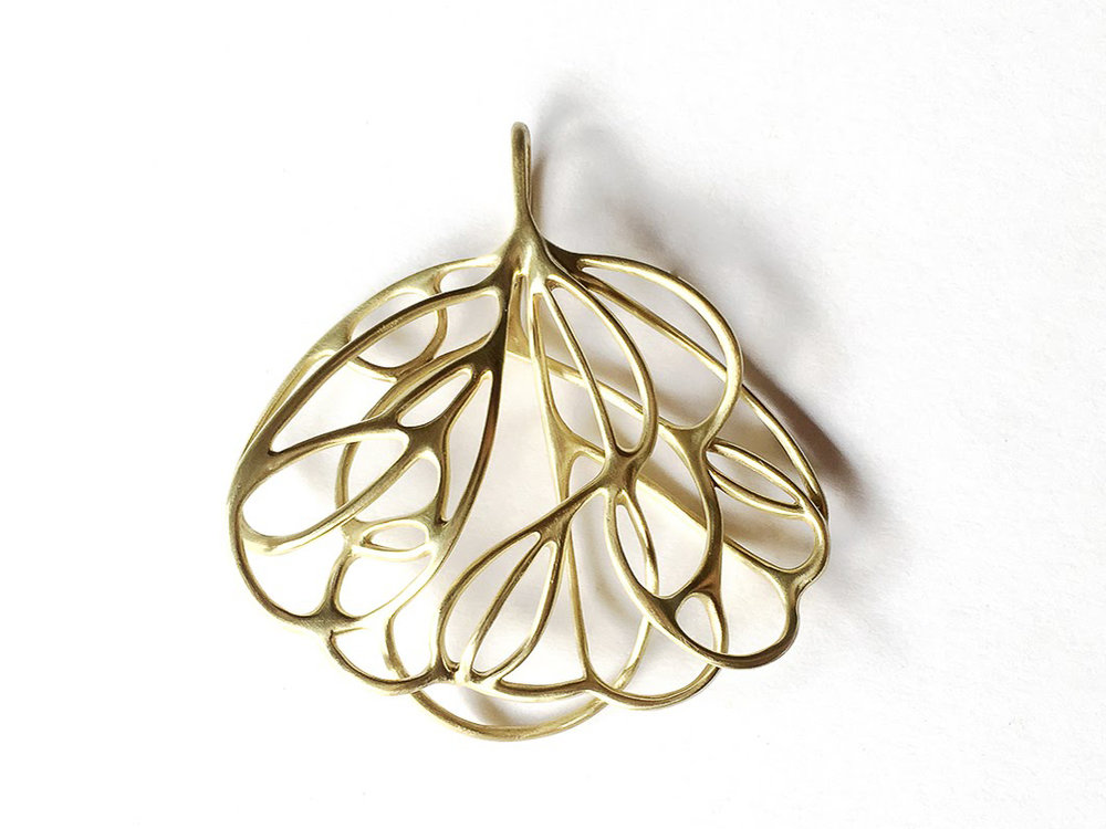 Leaves pendant brass