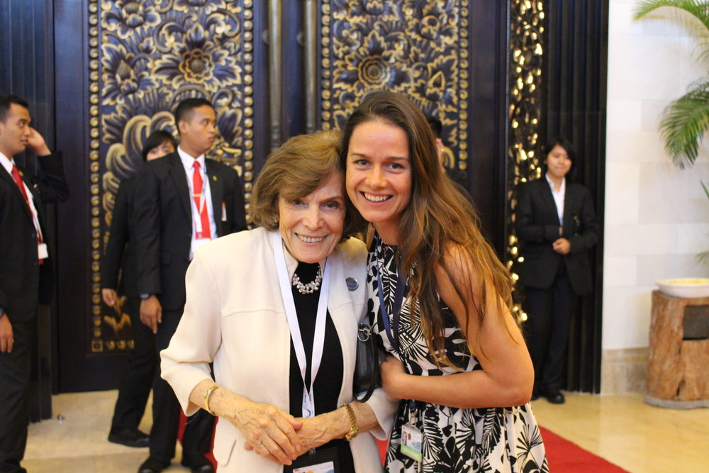 Isabel Ender with 'Her Deepness', Sylvia Earle. Photo by Betty Laglbauer.