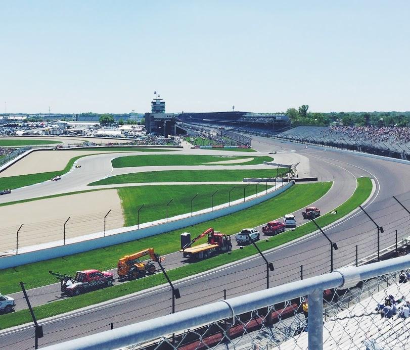 IndyCarGPTurn1